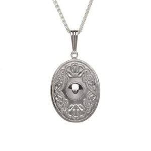 WP7 Oval Celtic Warrior Pendant